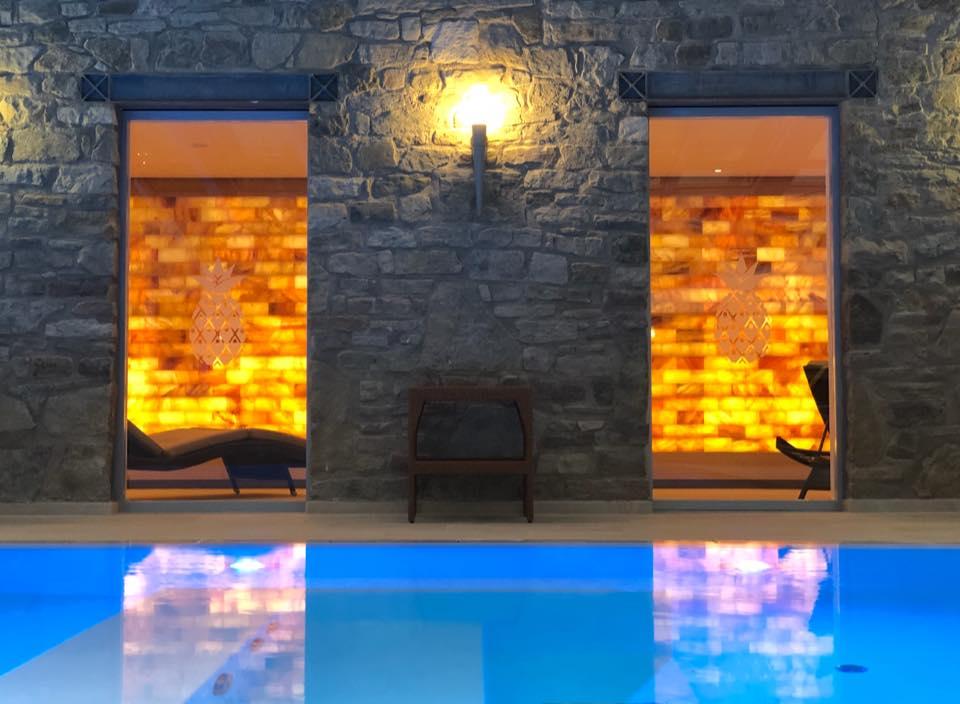 SPA-Pool-and-Salina-Lounge-Schlosshotel-Münchhausen